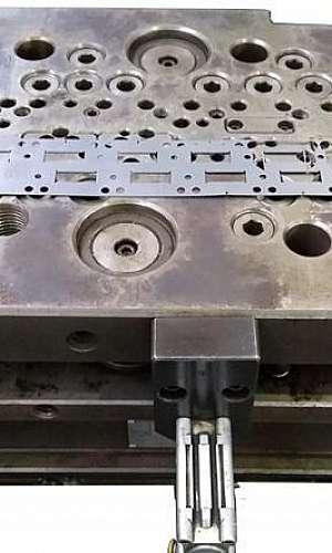 Estamparia de metais