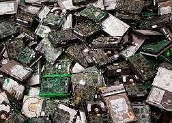 Reciclagem de placa eletrônica