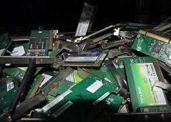 Coleta de lixo resíduos eletrônicos
